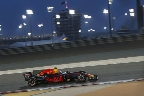 """Đua xe F1 - Bahrain GP: Lần đầu ngọt ngào của """"cánh chim lạ"""" - 3"""