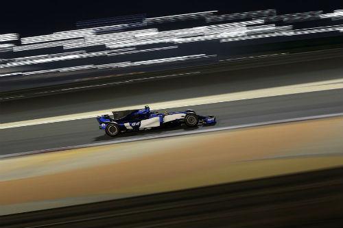 """Đua xe F1 - Bahrain GP: Lần đầu ngọt ngào của """"cánh chim lạ"""" - 4"""