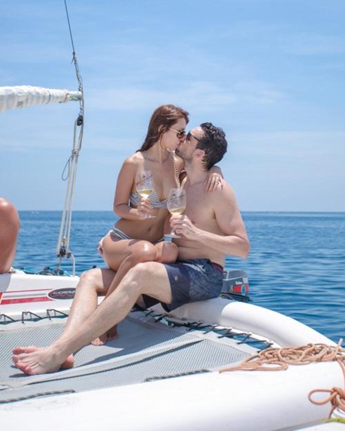 Em gái Hà Anh mặc bikini bé xíu đẹp át chị trên du thuyền triệu USD - 5