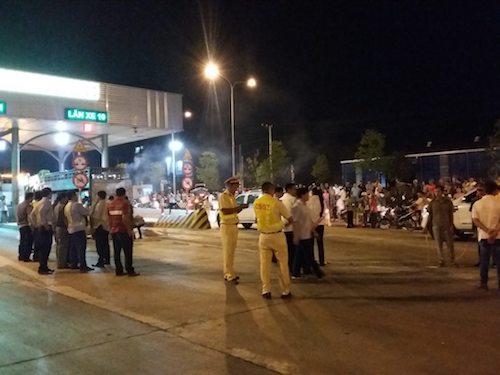 Vụ CSGT bị tông chết ở Đồng Nai: CSGT đu gương chiếu hậu - 1