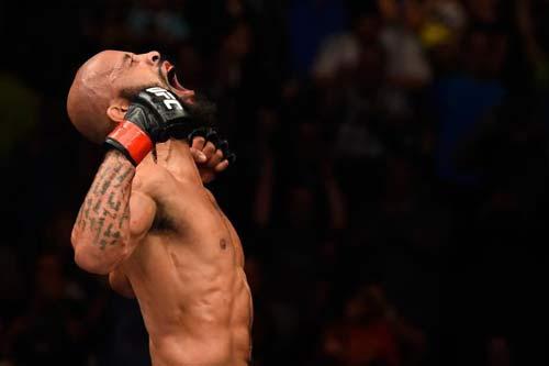 """Ông hoàng UFC: 10 kẻ đòi cướp đai, 10 kẻ """"đi viện"""" - 1"""