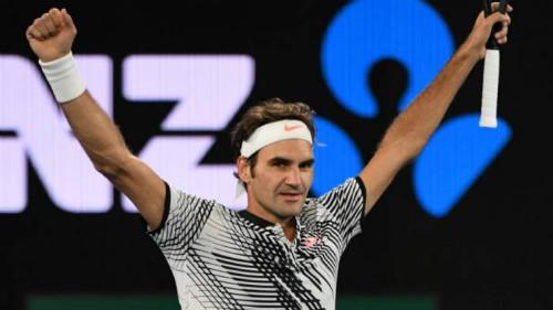 """Tin thể thao HOT 16/4: Federer đuổi kịp Djokovic lượng fan """"ảo"""" - 1"""