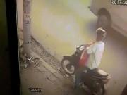 """An ninh Xã hội - Trộm bột giặt, thanh niên bị nữ chủ hàng """"xông phi"""" giữa Sài Gòn"""