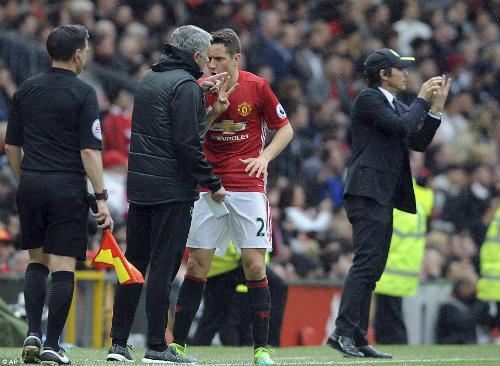 """Góc chiến thuật MU–Chelsea: Mourinho """"nuốt chửng"""" Conte - 1"""