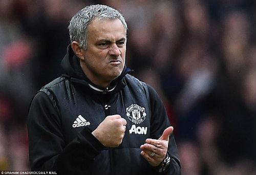 """Góc chiến thuật MU–Chelsea: Mourinho """"nuốt chửng"""" Conte - 4"""