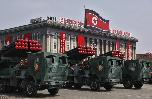 Cố vấn an ninh Trump úp mở khả năng tấn công Triều Tiên - 2