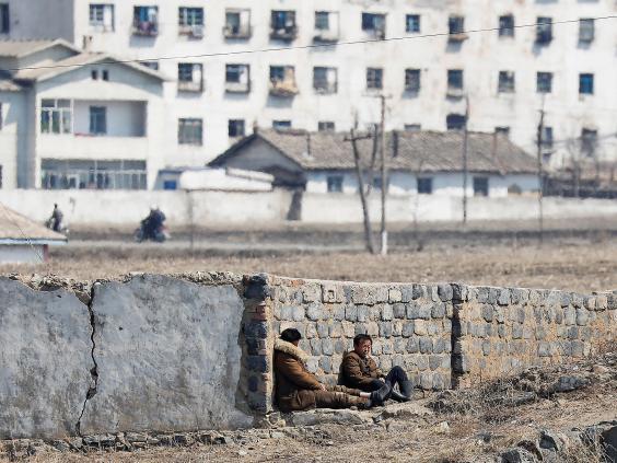 15 ảnh hé lộ cuộc sống ở biên giới Trung Quốc-Triều Tiên - 7