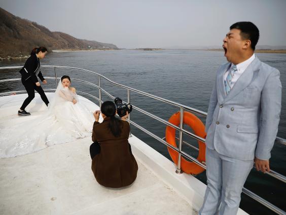 15 ảnh hé lộ cuộc sống ở biên giới Trung Quốc-Triều Tiên - 13