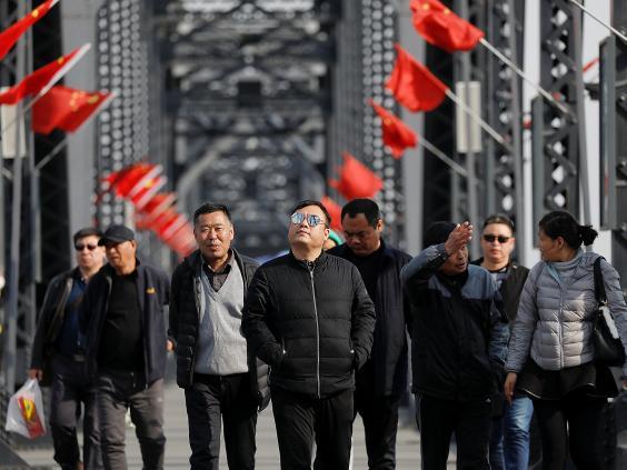 15 ảnh hé lộ cuộc sống ở biên giới Trung Quốc-Triều Tiên - 11