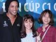 """""""Hot girl"""" Đà Nẵng chén bánh mì chờ Ronaldinho tặng quà"""