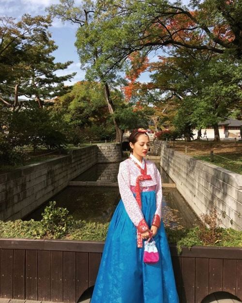 """Gái Hàn Hari Won """"lép vế"""" màn diện Hanbok của Mi Du, Huyền Baby - 2"""
