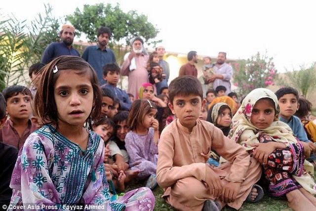 """Ông lão Pakistan có 54 con vì...ngày nào cũng """"yêu"""" - 4"""