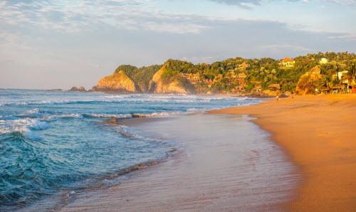 """10 bãi biển đẹp tựa """"thiên đường"""" nhưng... nên tránh xa - 1"""