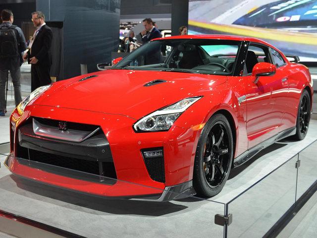 Nissan GT-R thêm bản Track Edition, giá 3 tỷ đồng - 1