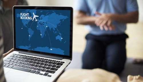 Laptop trên máy bay, nên để đâu? - 1