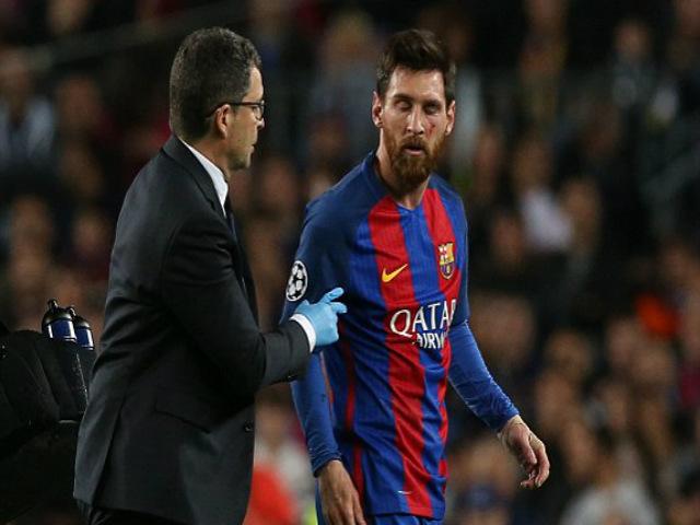 """""""Thảm họa"""" Messi: Fan Barca dè bỉu trọng tài giàu nhất thế giới"""