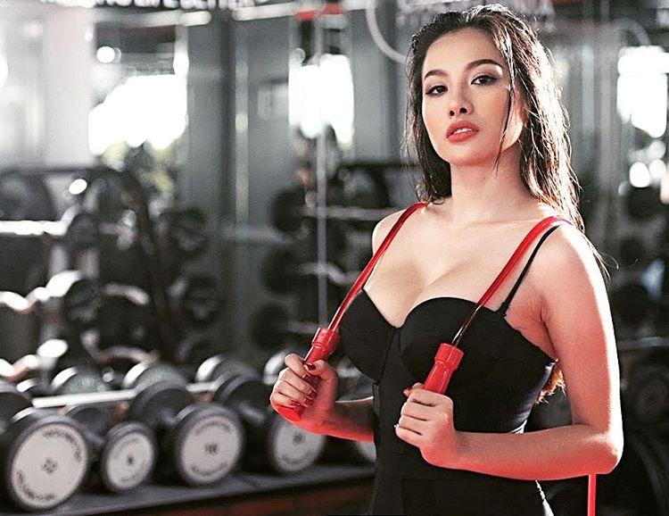 """Bồ cũ Lương Bằng Quang khoe dáng """"bốc lửa"""" trong phòng gym - 8"""