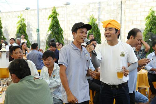 """4.000 anh em chí cốt """"vui quá xá"""" tại lễ hội bia lớn nhất miền Tây - 3"""