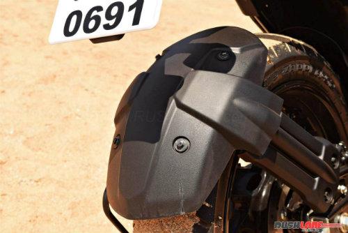 """2017 Yamaha FZ25 có xứng đáng là """"chúa tể đường phố""""? - 14"""