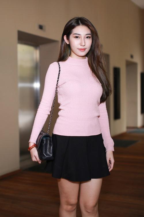 """Hoa hậu Hong Kong """"phát hờn"""" với nhan sắc bạn gái Ngô Kiến Huy - 3"""
