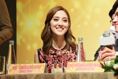 """Hoa hậu Hong Kong """"phát hờn"""" với nhan sắc bạn gái Ngô Kiến Huy - 4"""