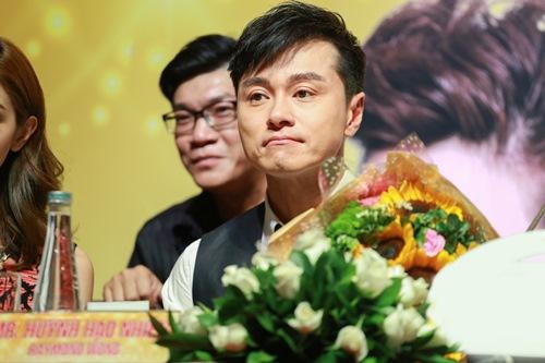 """Hoa hậu Hong Kong """"phát hờn"""" với nhan sắc bạn gái Ngô Kiến Huy - 9"""