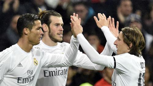 Rực rỡ ở cúp C1, Ronaldo vẫn bị 5 SAO Real đòi phế truất - 1