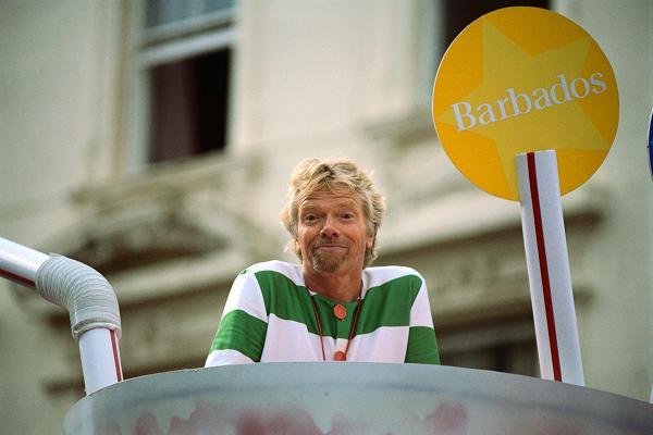 Tỷ phú Richard Branson sẽ nói gì với chính mình năm 25 và 50 tuổi? - 1