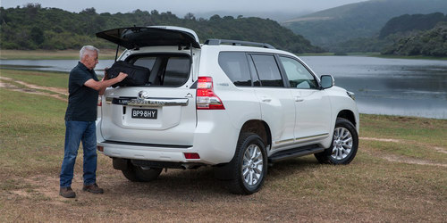 Toyota Prado bản đặc biệt 1,5 tỷ đồng ra mắt - 3