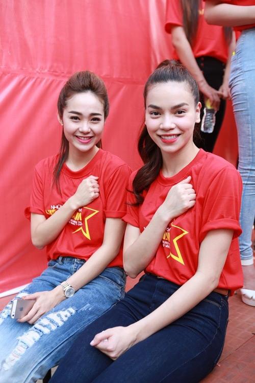 """Trước """"cạch mặt"""" nhau, Hà Hồ-Minh Hằng thân như chị em - 2"""