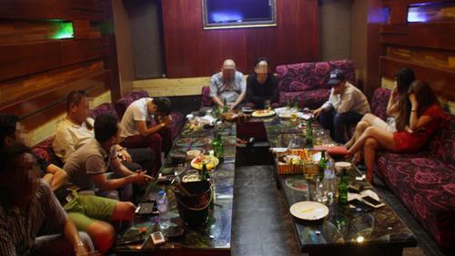 Gần 20 dân chơi Sài Gòn xuống Cần Thơ mở tiệc ma tuý - 1