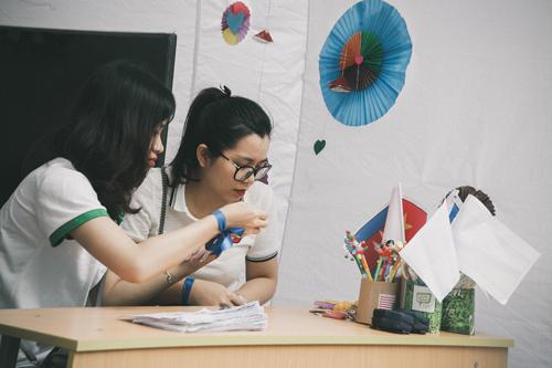 Nữ sinh trường Luật xinh đẹp trong lễ hội ASEAN - 3