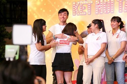 """Hoa hậu Hồng Kông khiến fan """"sướng rơn"""", khác hẳn sao Hàn - 9"""