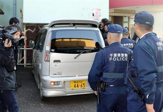 Mẫu ADN trên xe nghi phạm trùng khớp với bé gái Việt - 1