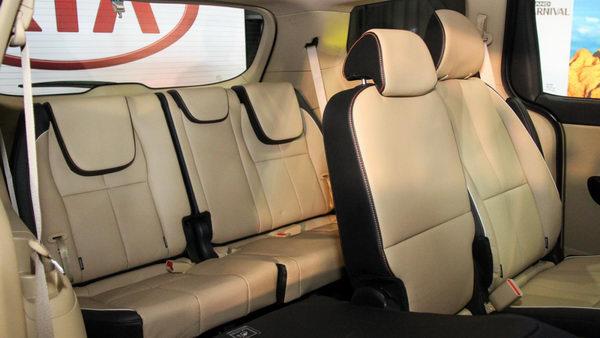 Kia Sedona 2017 có giá từ 792 triệu đồng - 4