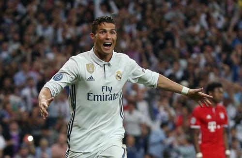 Ronaldo rực rỡ cuối mùa: Bí kíp vàng vô địch thiên hạ - 2