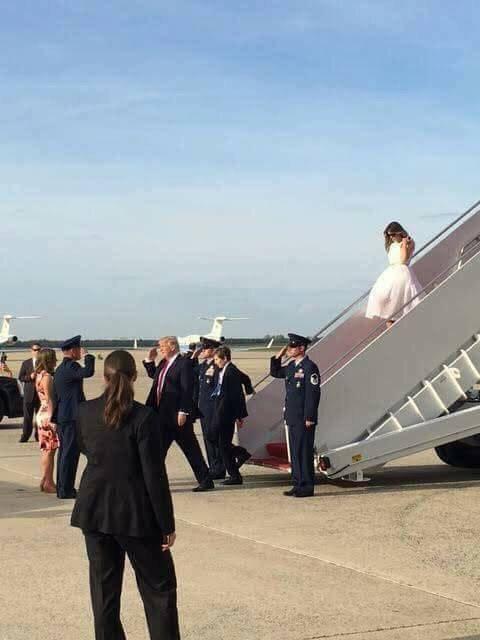 Tại sao Trump giữ khoảng cách với vợ? - 2