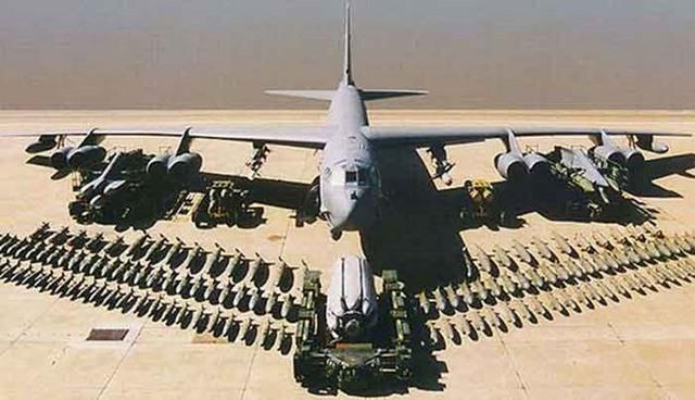 """Mỹ biến """"pháo đài bay"""" B-52 thành siêu máy bay tối tân - 1"""