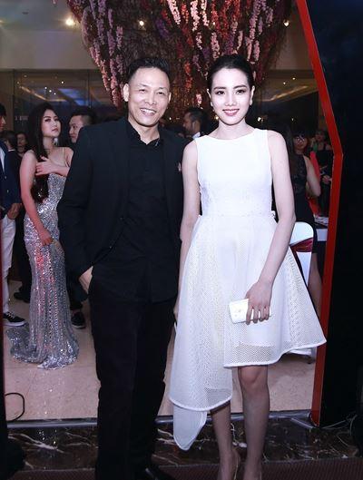 Những cô vợ nõn nà, trẻ hơn chồng 25-30 tuổi của showbiz Việt - 1