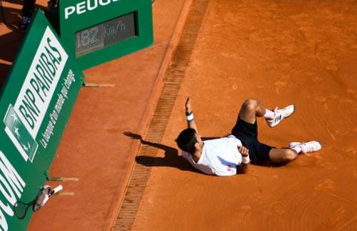 """Djokovic """"rơi tự do"""": Trông vào gương Federer mà học - 1"""
