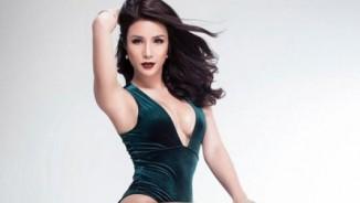 Diệp Lâm Anh diện bó sát ngẫu hứng nhảy sexy ở shop thời trang