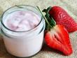 Cách làm sữa chua dâu tây ngọt mát cực đơn giản