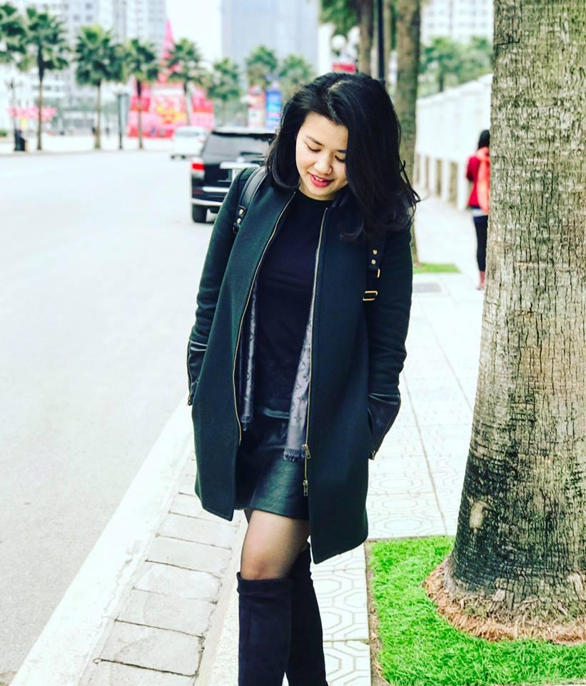 Nữ MC mới nghỉ việc VTV mặc kín vẫn sexy duyên dáng hút mắt - 10