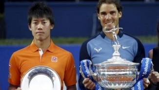 """Tennis: Nadal được đặt tên sân đấu, Sharapova đụng """"kẻ thù"""""""
