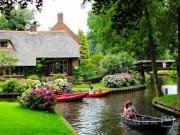 """Du lịch - """"Ghim vào tim"""" 10 ngôi làng nhỏ xinh, tới là yêu ở Châu Âu"""