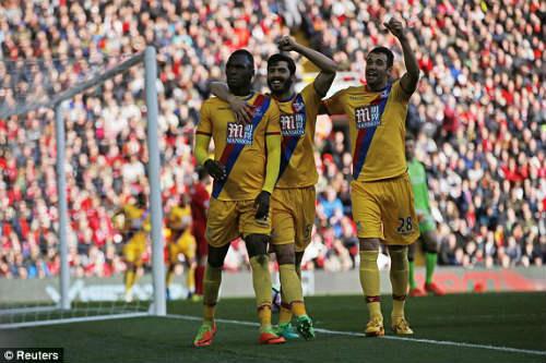 Liverpool - C. Palace: Siêu phẩm và phản đòn đau đớn - 1