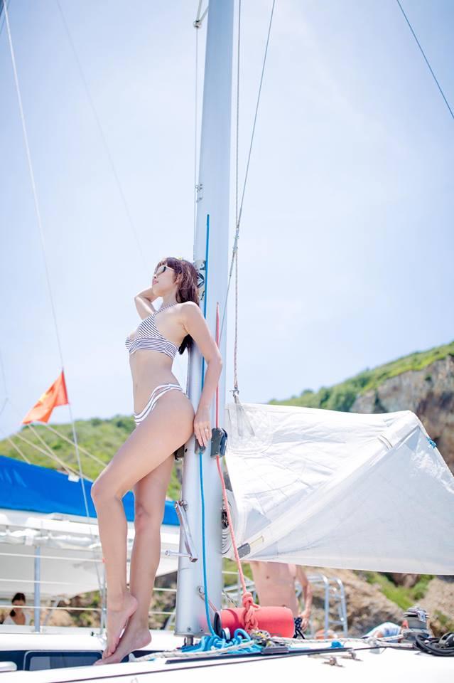 """Thêm loạt ảnh """"nóng rực"""" của chị em Hà Anh trên du thuyền triệu USD - 3"""