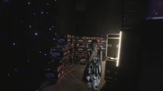 """Hari Won: """"Tôi diễn sexy trên sân khấu thấy mà ghê"""""""