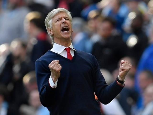 Arsenal: Wenger thức thời, muộn còn hơn không