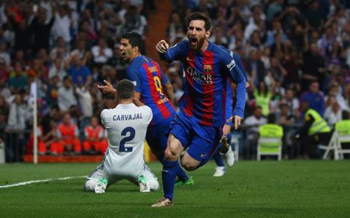 Diệt Real, phá Bernabeu: Messi vẫn chưa bằng Ronaldinho - 2